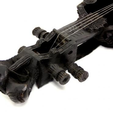 Saranghi - Guitare du Népal -