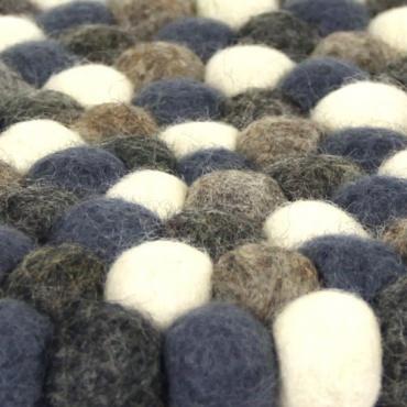 Sous plat en laine feutrée gris bleuté