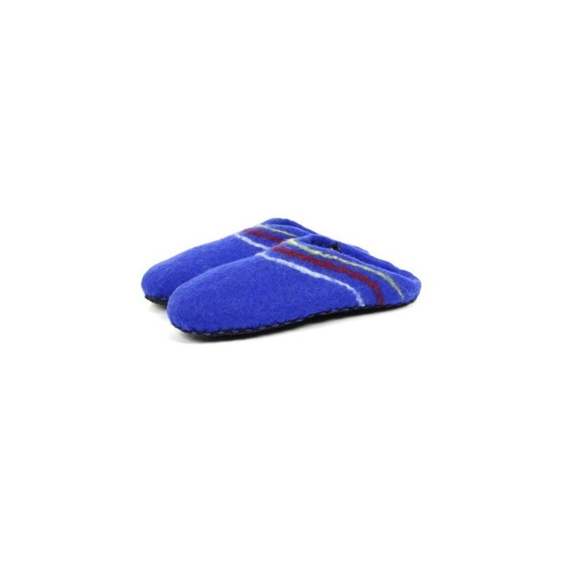 Pantoufles en laine feutrée bleu