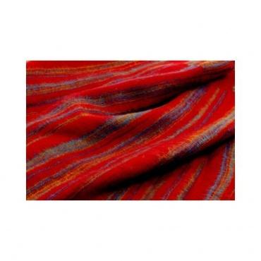 Couverture rouge rayé