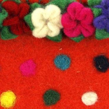 Pochette en laine feutrée et fleurie