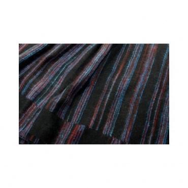 Couverture noire lignée bleu turquoise et rouge
