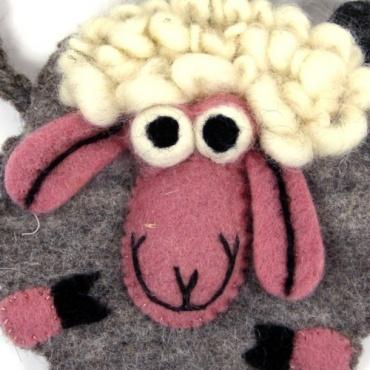 Petit sac enfant mouton en laine feutrée