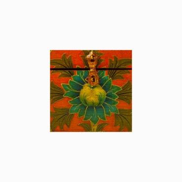 fleur de lotus peint sur coffret
