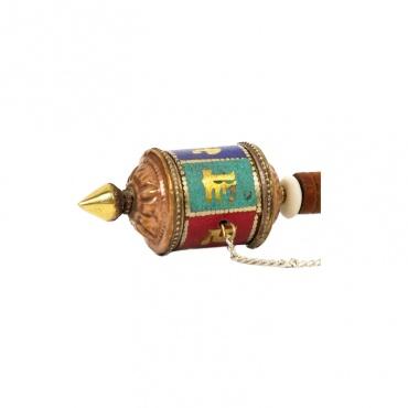 petit moulin à de prières tibétaines om mani padmé hum mantra