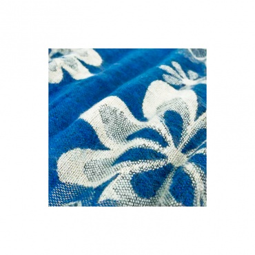 châle écharpe bleu et fleurs couverture étole