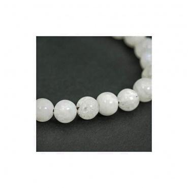 détail bracelet mala pierre de lune