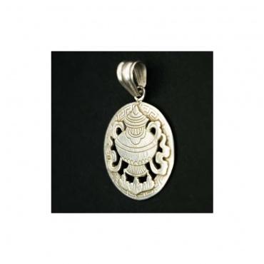 pendentif en argent vase aux trésors bouddhiste porte-bonheur
