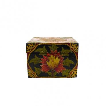 petite malle tibétaine en bois peint lotus