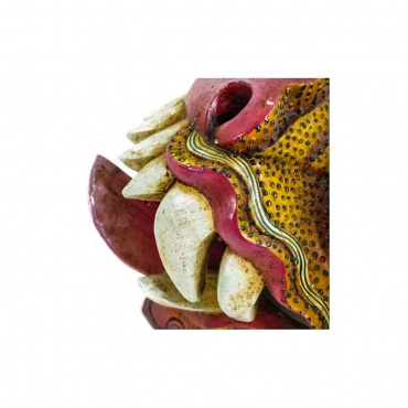 dent de dragon dans grand masque tibétain bouddhiste