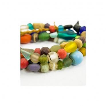 collier coloré en perles de verre indienne confection Népal toit du monde