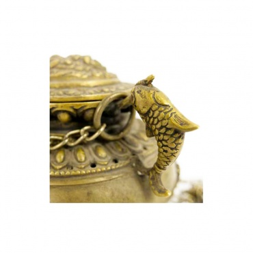 poisson d'or sur vase aux trésors encensoir bouddhiste