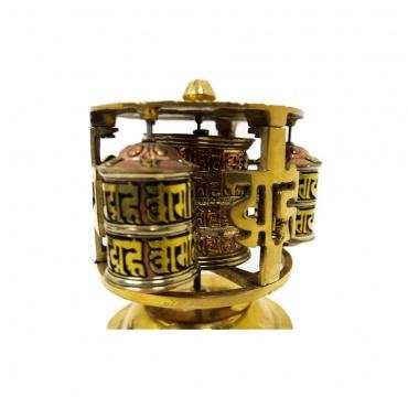 moulin de prières tibétain avec mantra
