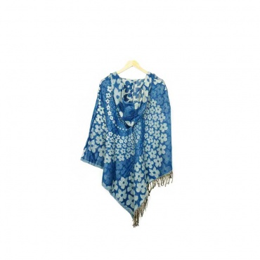 poncho avec capuche bleu et tourbillon de fleurs