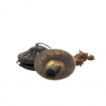 Cloche ancienne tibétaine heurtoir en corne