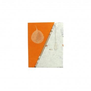 Livret de souvenirs papier lokta orange et feuille de bodhi