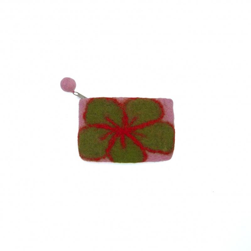 Petite pochette en laine verte rouge et rose