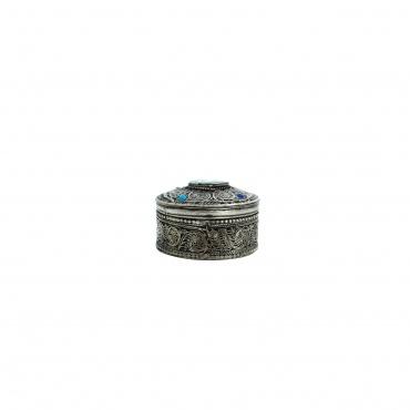 Petite Boîte à bijoux en métal ciselé om