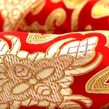 Anneau coussin rouge bol chantant tibétain