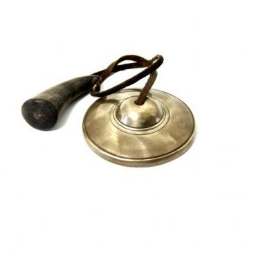 Cloche tibétaine et corne